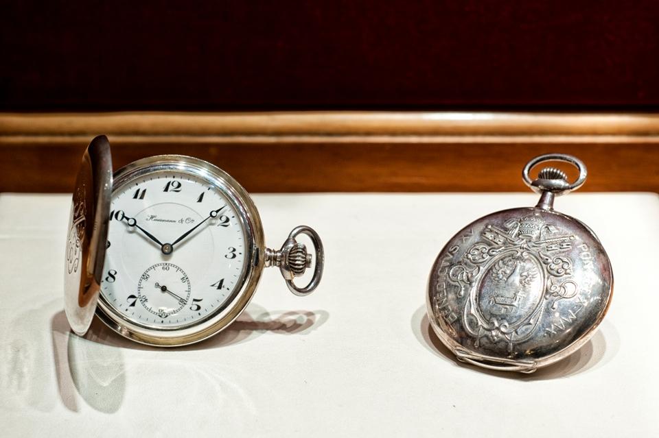 Orologi da presentazione per i Papi. Collezione Hausmann & Co.