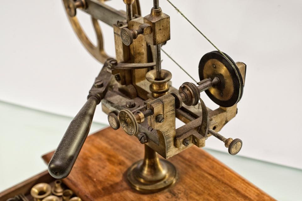 Machine pour arrondir XIX secolo_Collezione Hausmann & Co