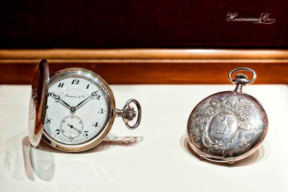 Orologi da tasca in argento con incisione del monogramma di Papa Pio Xi e di Papa Benedetto XV