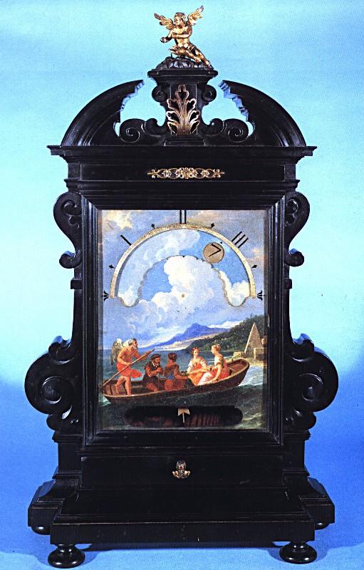 Orologio notturno con cassa in legno ebanizzato, mostra in rame dipinto, h cm 70,5. Fonte: Museo