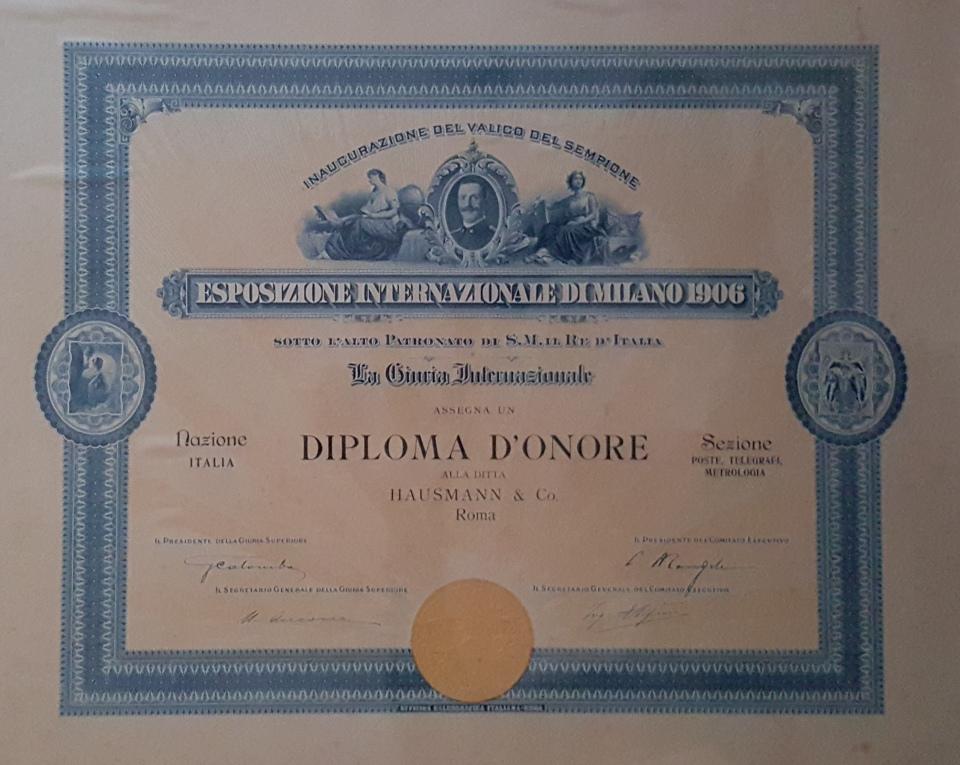 Il Diploma d'Onore intestato ad Hausmann & Co., custodito negli archivi dell'Azienda
