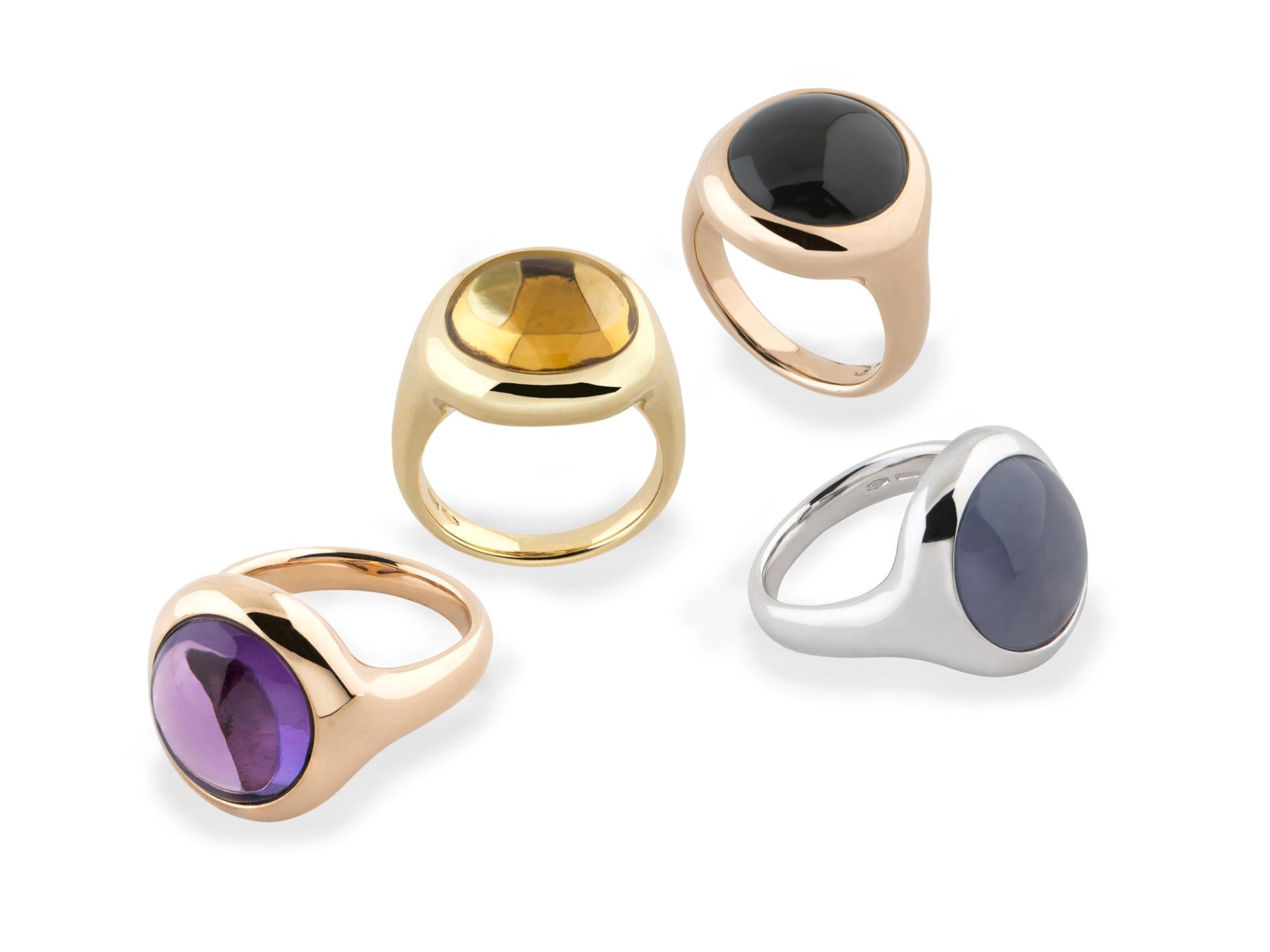 Anello con cabochon rotondo in oro - anello con pietra dura rotonda in oro - Hausmann & Co. collezione Plenilunio
