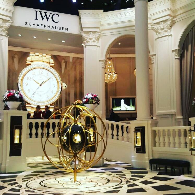 IWC Schaffhausen sorprende accogliendo in una elegante atmosfera neoclassica