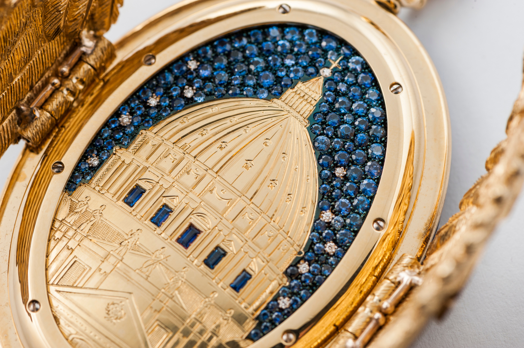 La rappresentazione notturna di S. Pietro, con incisione in oro e cielo stellato in zaffiri e diamanti