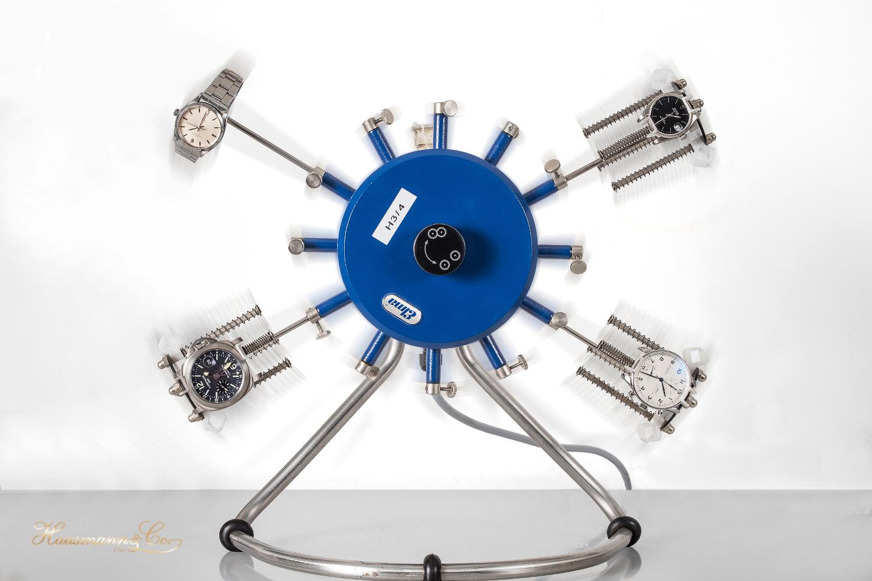 Orologi sul simulatore, in fase di controllo di qualità della ricarica automatica