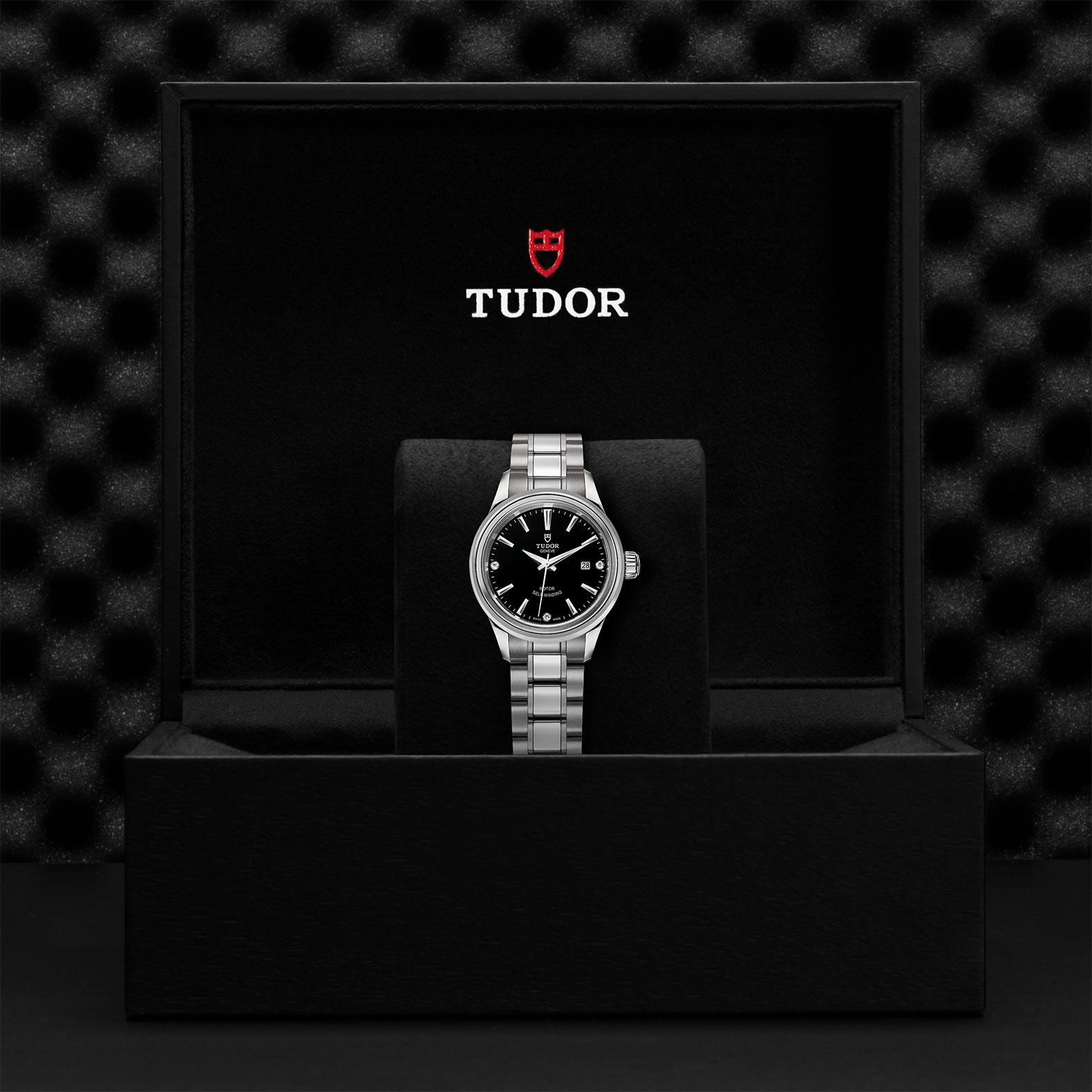 TUDOR Style - M12100-0004