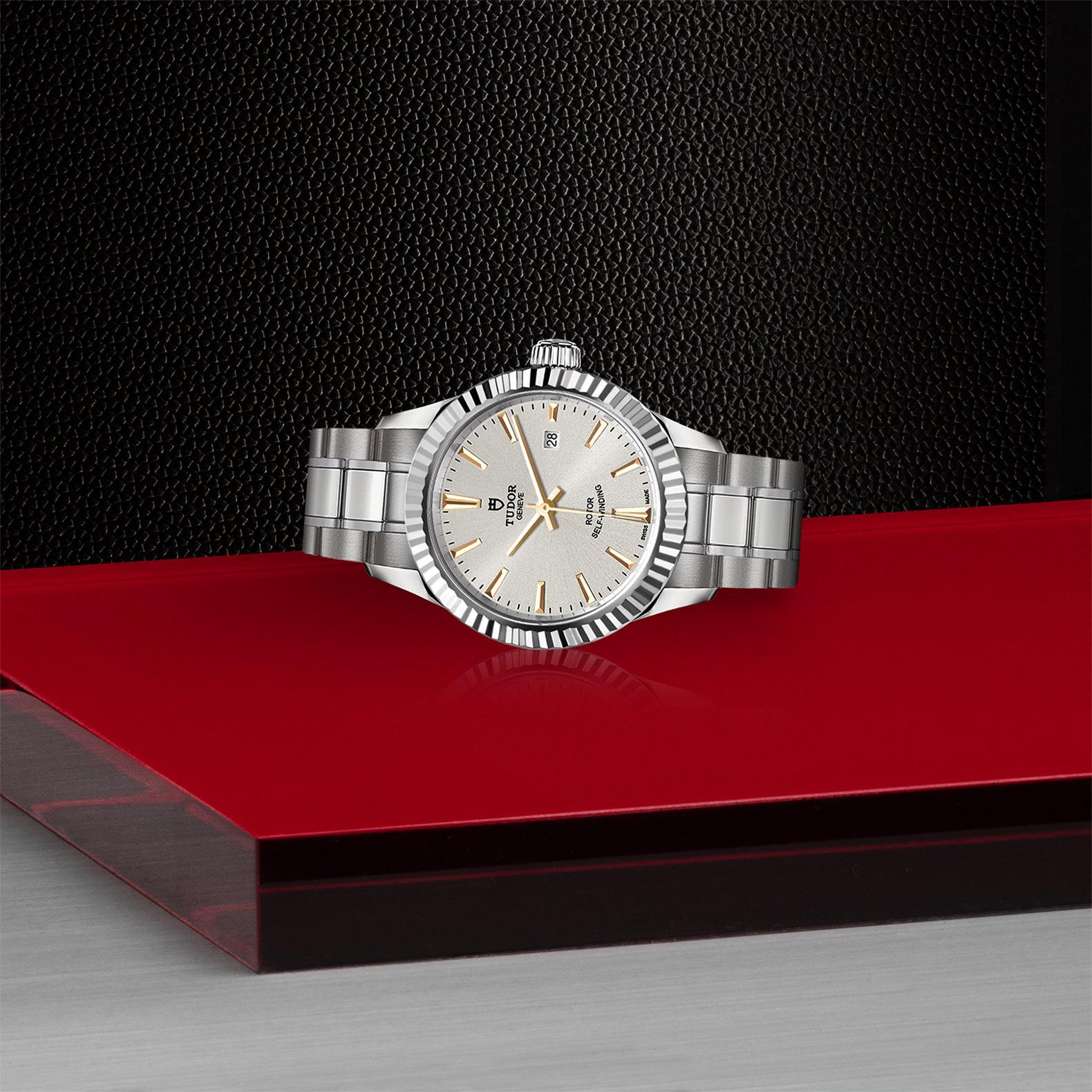 TUDOR Style - M12110-0005