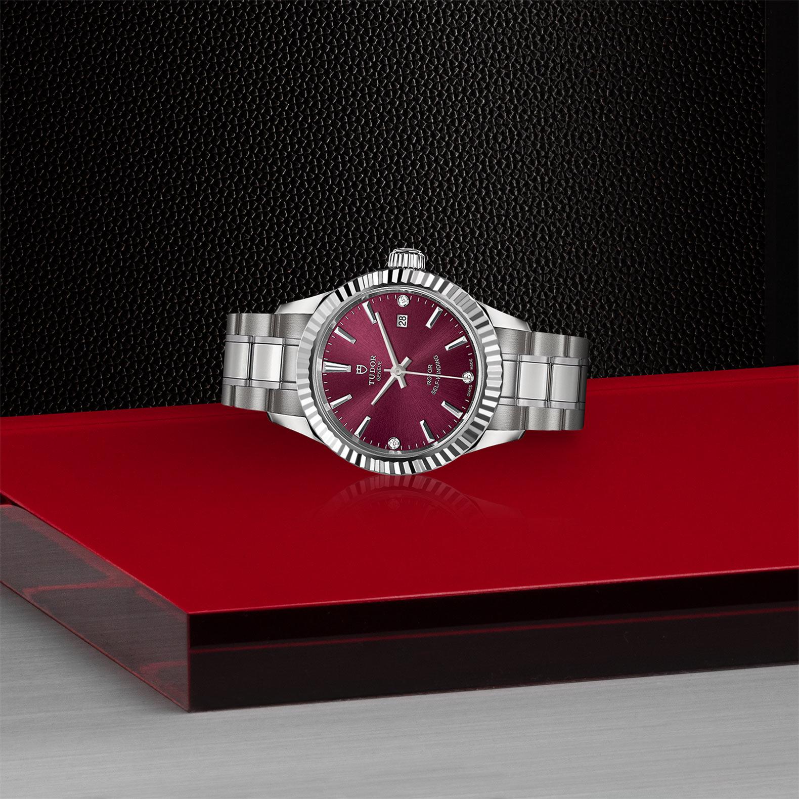 TUDOR Style - M12110-0019