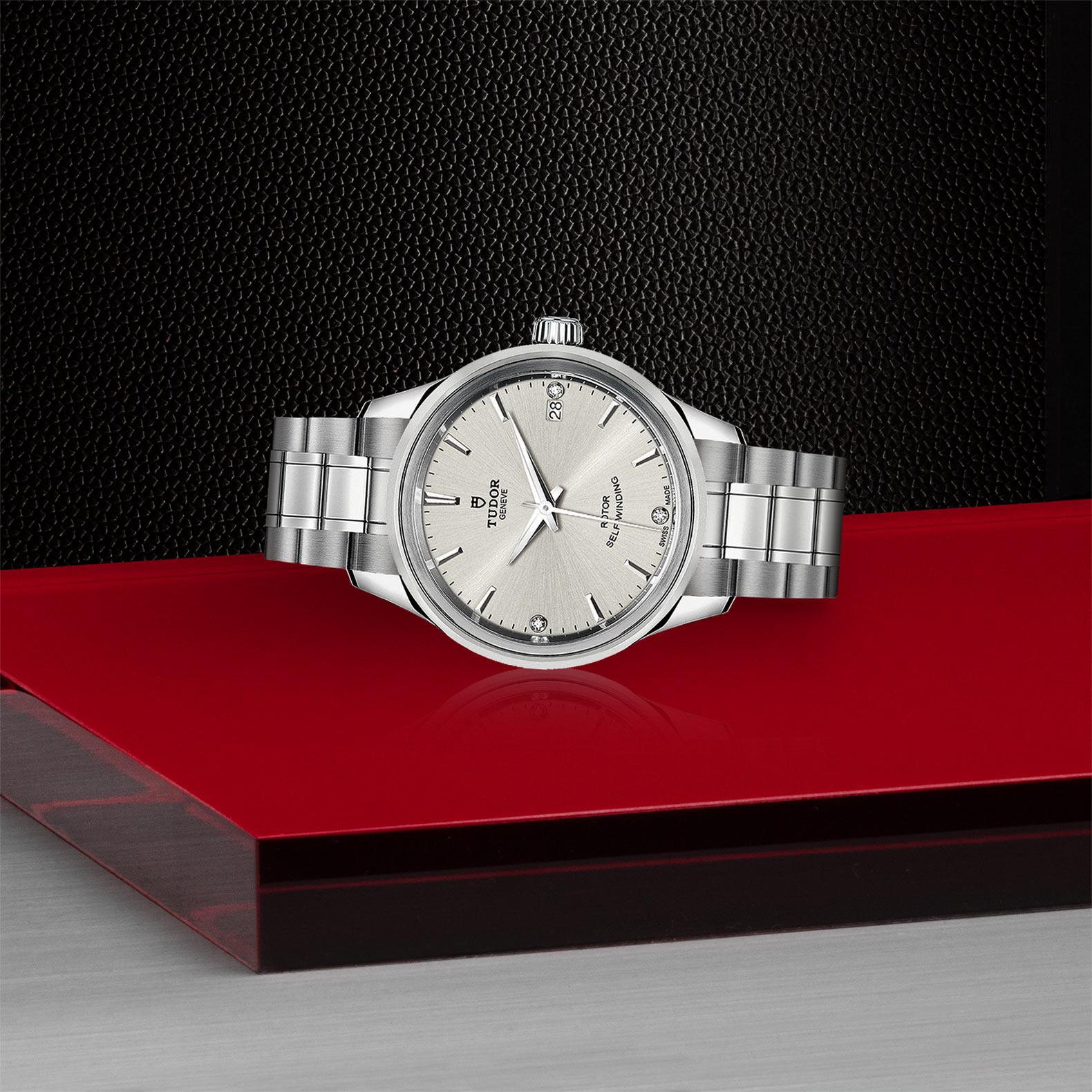 TUDOR Style - M12300-0003