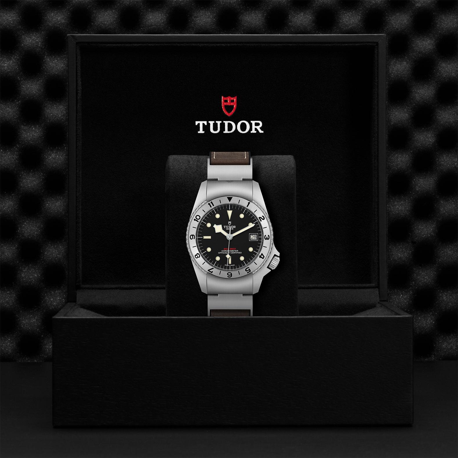TUDOR Black Bay P01 - M70150-0001